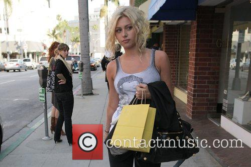 Alyson Michalka, Of The Musical Duo Aly, Aj, Goes Lingerie Shopping and Walks To Anastasia Beverly Hills Salon To Meet Her Sister Amanda 9