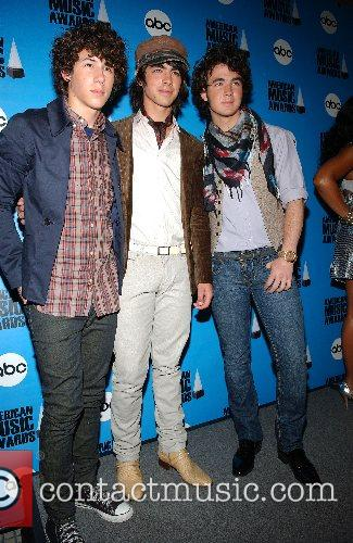 The 2007 American Music Awards nominations press conference...