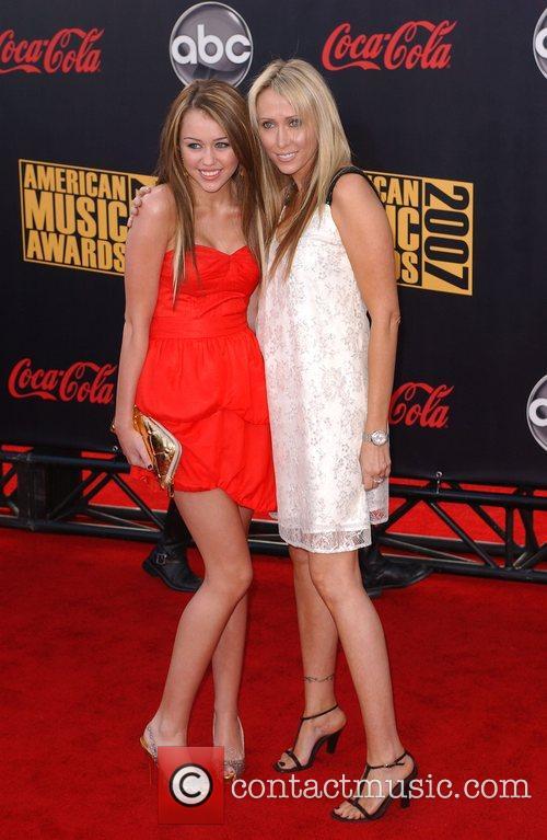 Miley Cyrus, American Music Awards