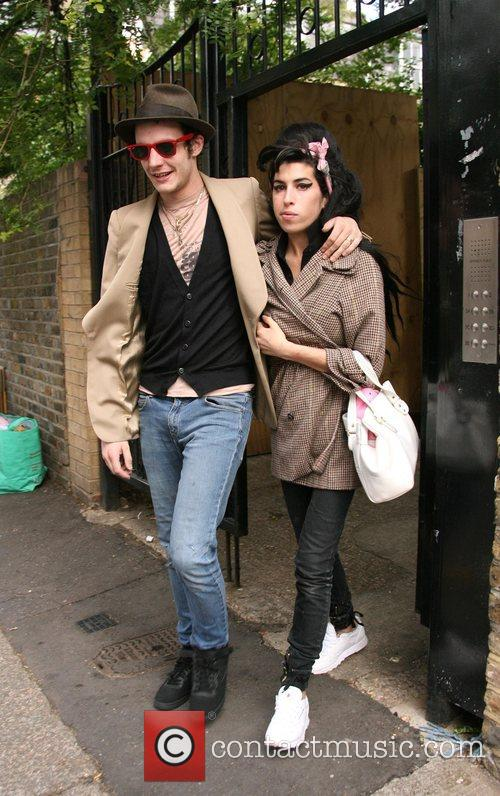 Amy Winehouse and husband Blake Fielder-Civil get into...