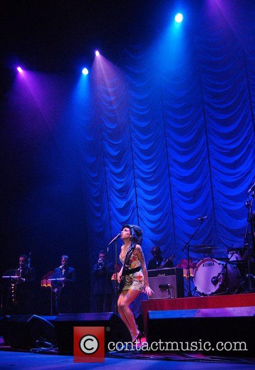 Amy Winehouse 37