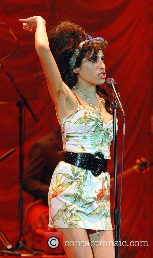 Amy Winehouse 28