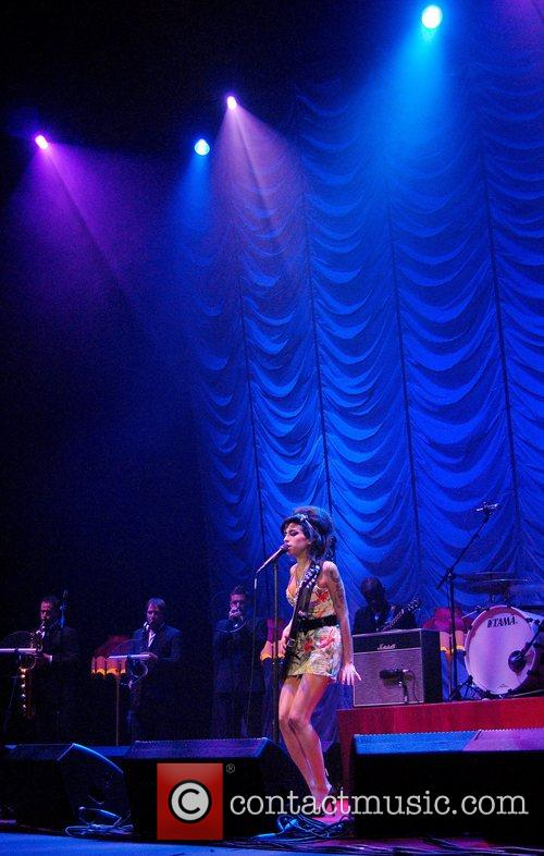 Amy Winehouse 24