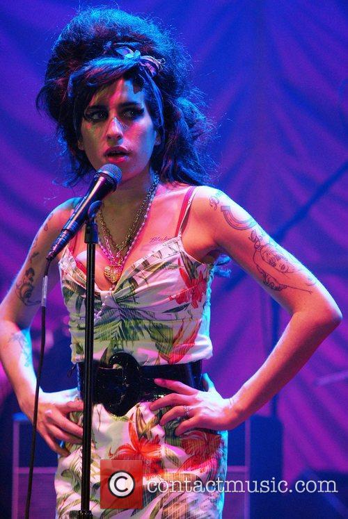 Amy Winehouse 33