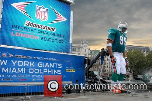 Anamatronic Nfl Player and The Game 6