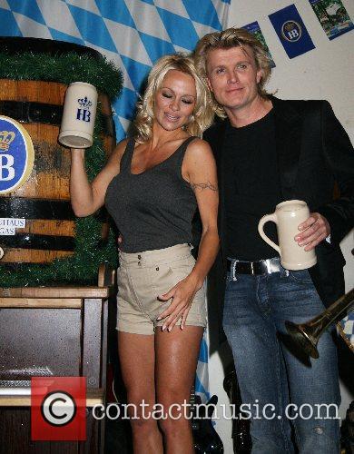 Pamela Anderson, Hans Klok and Las Vegas 3