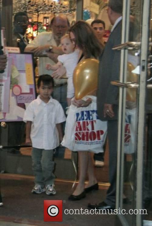 Angelina Jolie 11