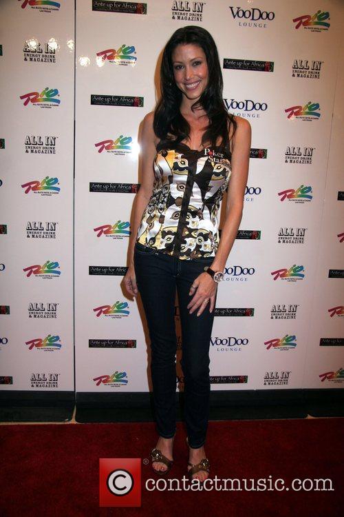 Shannon Elizabeth 4