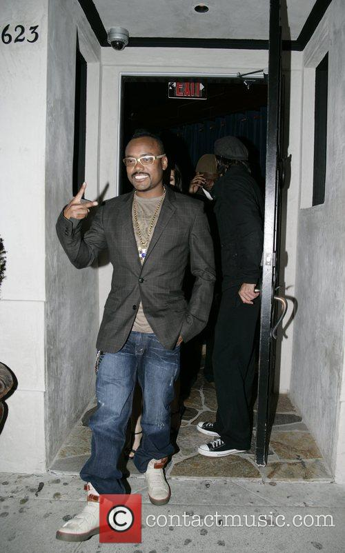 Apl.de.Ap from The Black Eyed Peas leaving Villa...