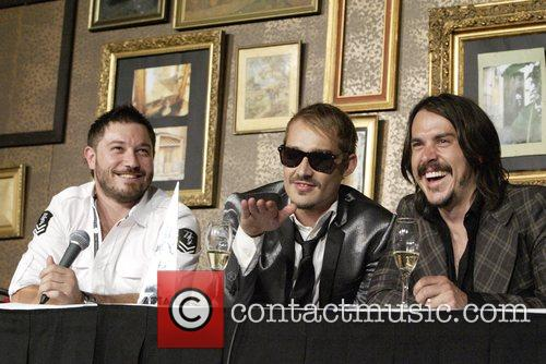 Chris Jouannou and Daniel Johns 6