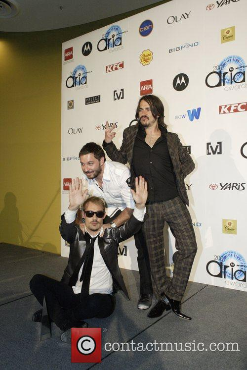 Chris Jouannou and Daniel Johns 8