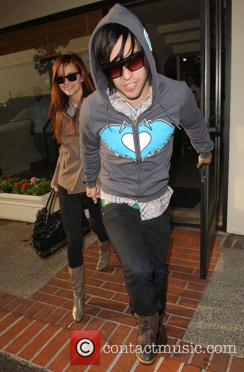 Ashlee Simpson and Pete Wentz 9