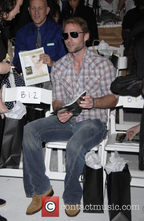 Sean William Scott Mercedes-Benz Autumn 2008 LA Fashion...