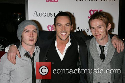 Jonathan Rhys Meyers, Allen Meyers and Jammie Meyers 8