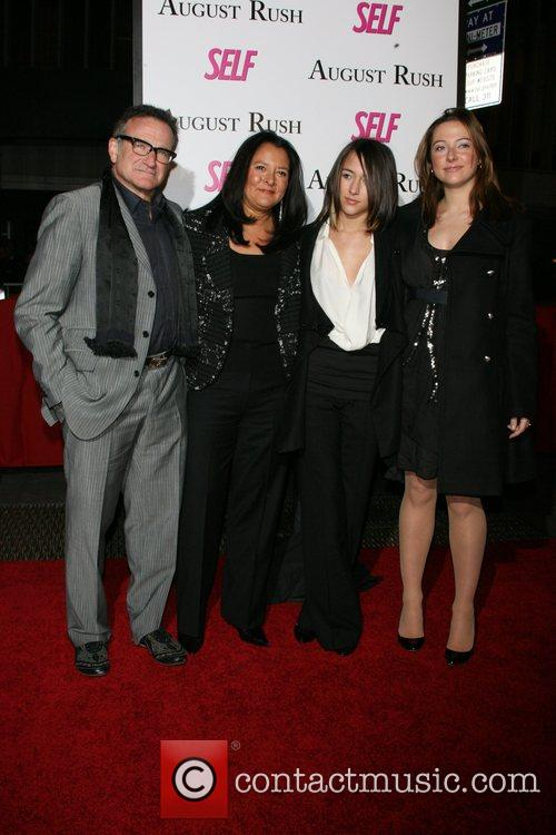 Robin Williams, Marsha Garces Williams, Zelda Williams, Guest...