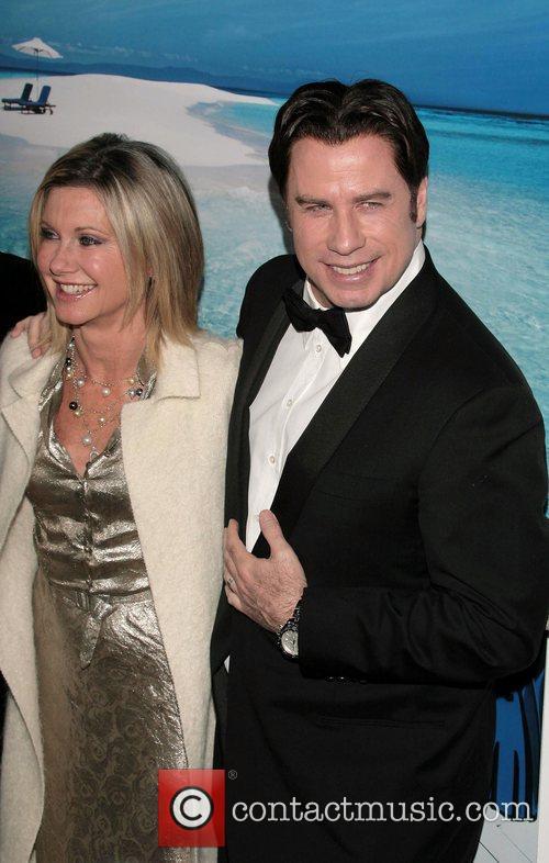 Olivia Newton-john and John Travolta 7