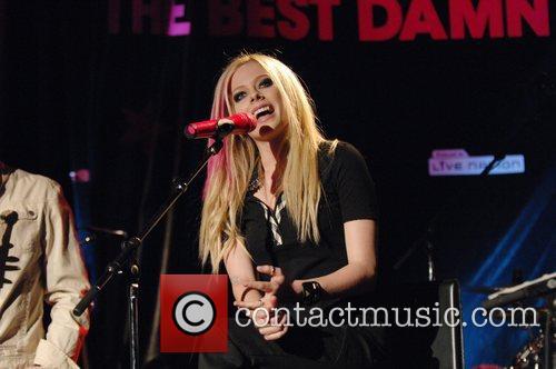 Avril Lavigne 19