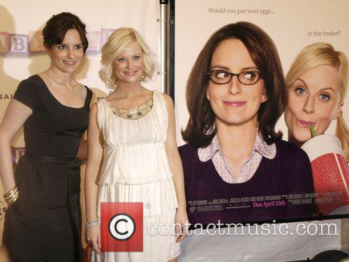Tina Fey And Amy Poehler Reuniting To Host 'Saturday Night Live'