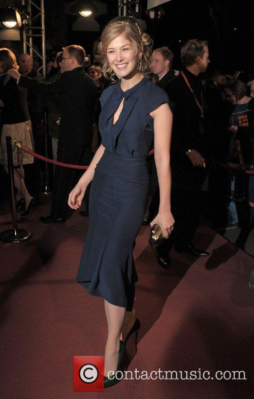 Rosamund Pike and Grosvenor House 4