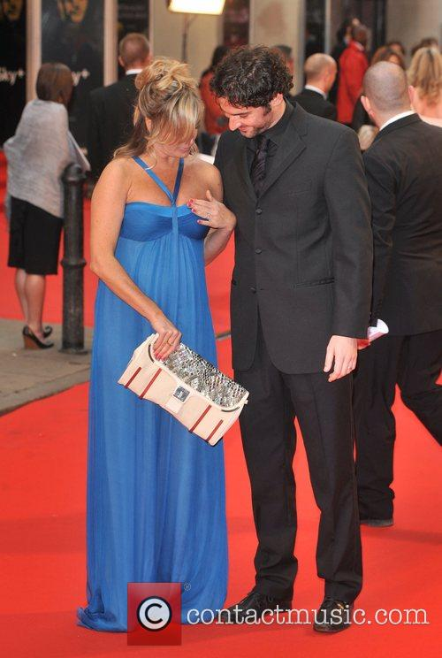 tamsin outhwaite (has some dress troubles) 1830421
