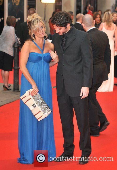 Tamsin Outhwaite (has some dress troubles with) and...