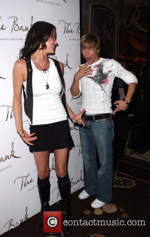 Shannon Elizabeth and Derek Hough Dancing with the...