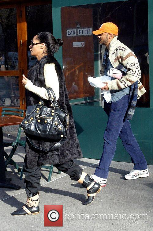 Tracee Ellis Ross and her boyfriend leaving Bar...