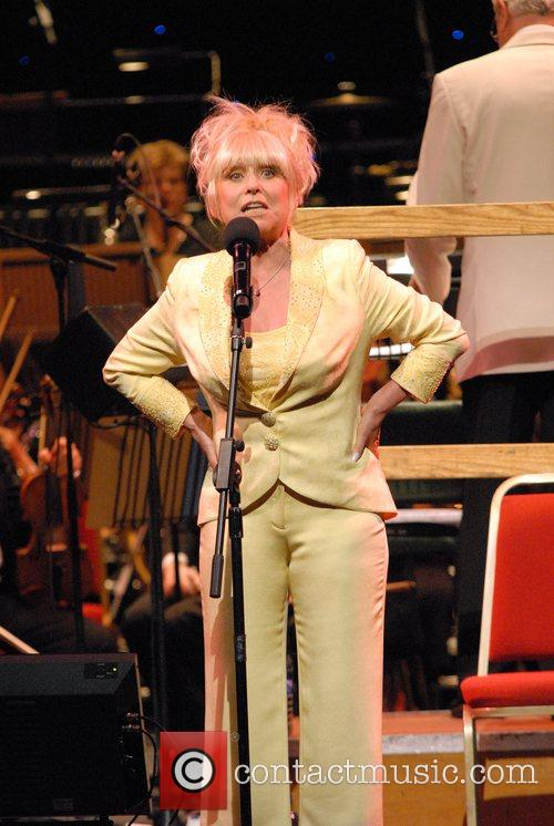 barbara windsor 09 wenn1440764