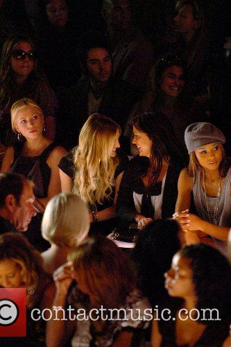 Brittany Snow and Ashlee Simpson 3