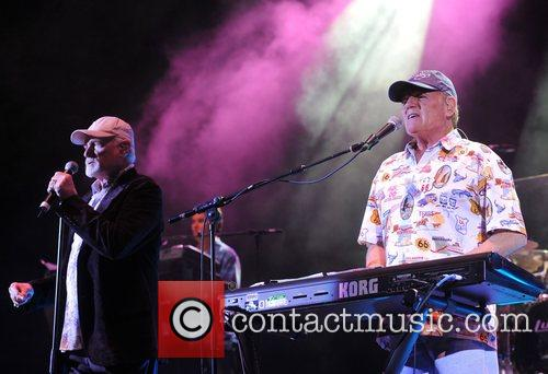 Mike Love and Bruce Johnston Beach Boys live...