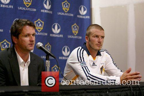 LA Galaxy coach Frank Yallop and David Beckham 1