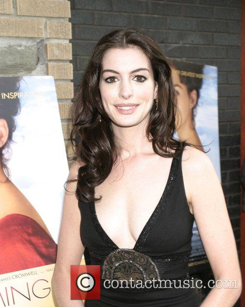 Anne Hathaway 21