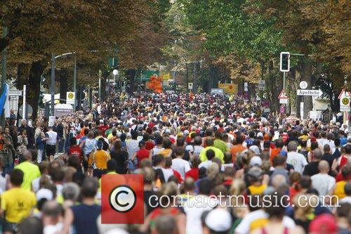 34th Annual Berlin Marathon: Wiesbadener Strasse (ca. 24km)