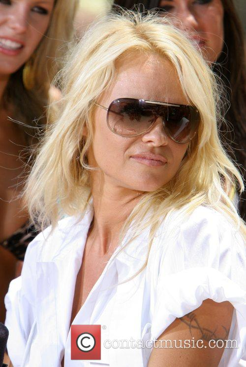 Pamela Anderson 23