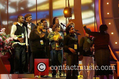 Steve Harvey with choir Rehearsals for 2008 BET...