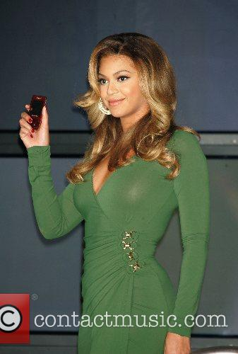 Beyonce Knowles and Samsung Announce The Launch Of The New ' B 'phone ' 1
