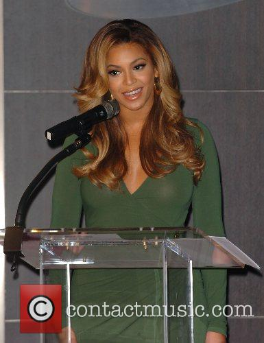 Beyonce Knowles and Samsung announce the launch of the new ' B 'Phone ' 20