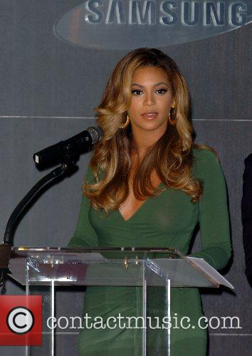 Beyonce Knowles and Samsung Announce The Launch Of The New ' B 'phone ' 9