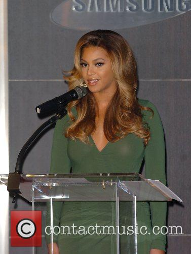 Beyonce Knowles and Samsung announce the launch of the new ' B 'Phone ' 16