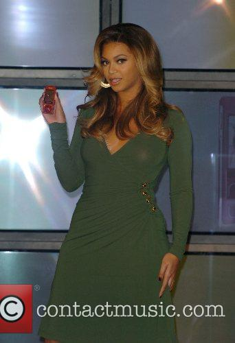Beyonce Knowles and Samsung Announce The Launch Of The New ' B 'phone ' 8