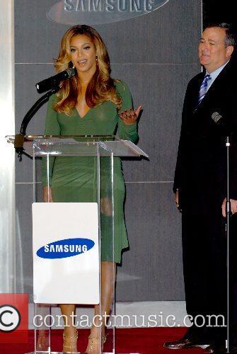 Beyonce Knowles, Samsung rep