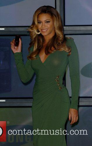 Beyonce Knowles and Samsung announce the launch of the new ' B 'Phone ' 18