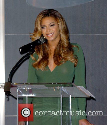 Beyonce Knowles and Samsung announce the launch of the new ' B 'Phone ' 12