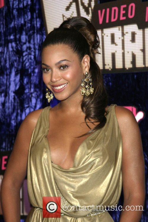 Apple, Gwen Stefani, Las Vegas, Mtv and Sia 1