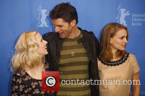 Scarlett Johansson, Eric Bana and Natalie Portman 3
