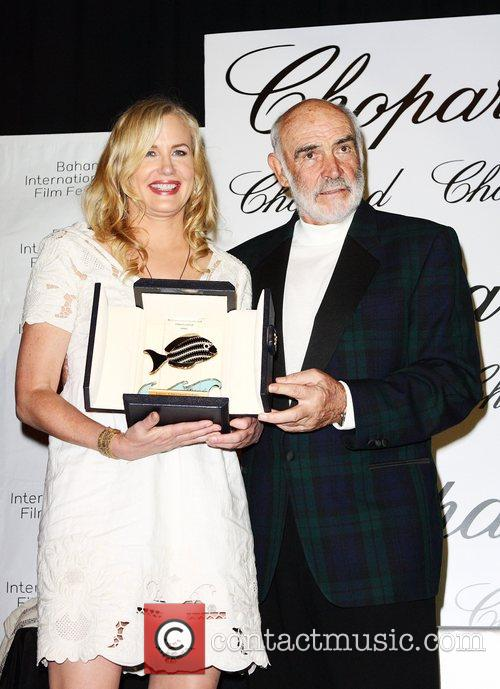 Daryl Hannah and Sean Connery 9