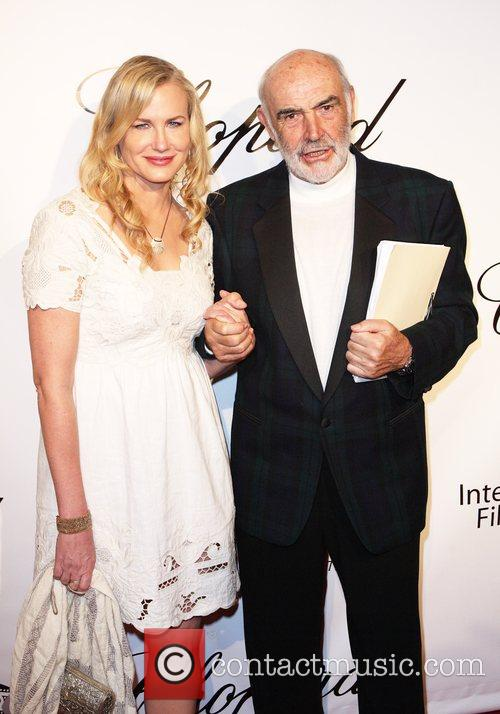 Daryl Hannah and Sean Connery 1