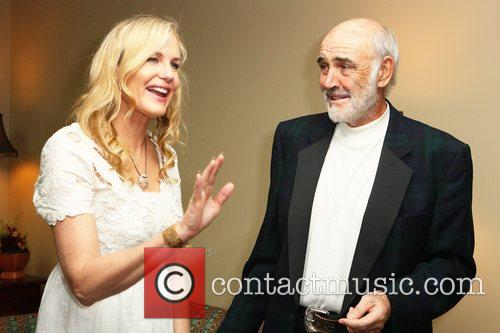 Daryl Hannah and Sean Connery 5