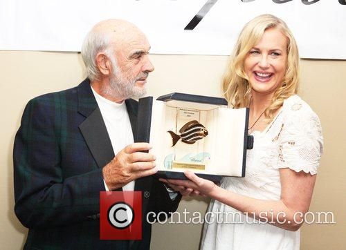 Sean Connery and Daryl Hannah 4