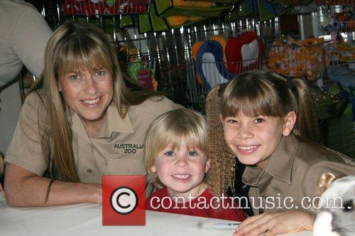 Bindi Irwin unveils her new toy line at...